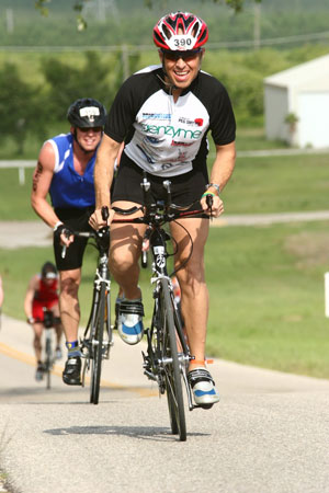 Dialysis Patient Aims to Qualify for Ironman World Championship